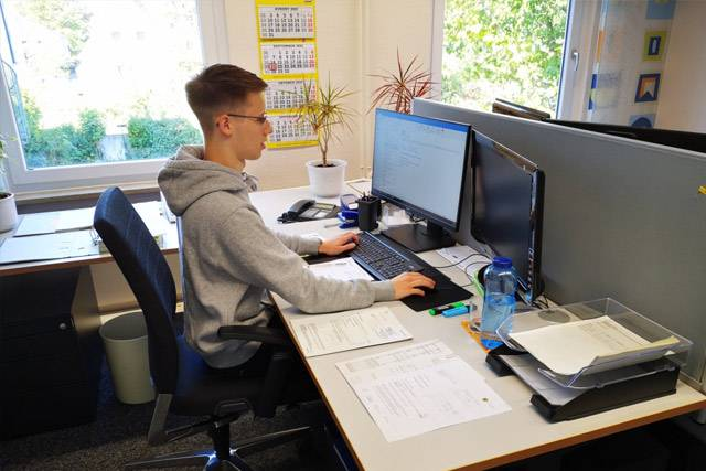 Büroarbeitzplatz Kauffrau/Kaufmann für Büromanagment.