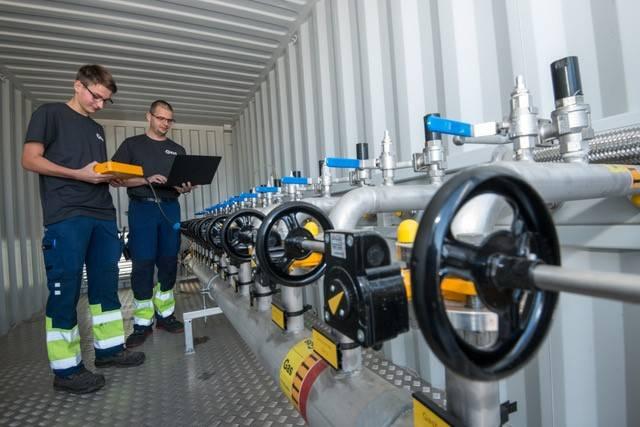 Mess- und Kontrollarbeiten in der Gasbehandlungsanlage (Fachkraft für Kreislauf- und Abfallwirtschaft).